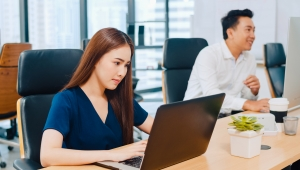 Sự khác biệt giữa Dân văn phòng và Dân công trường